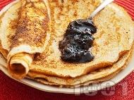 Вкусни домашни палачинки - класическа рецепта с прясно мляко, яйца, брашно и бакпулвер за бърза закуска / десерт